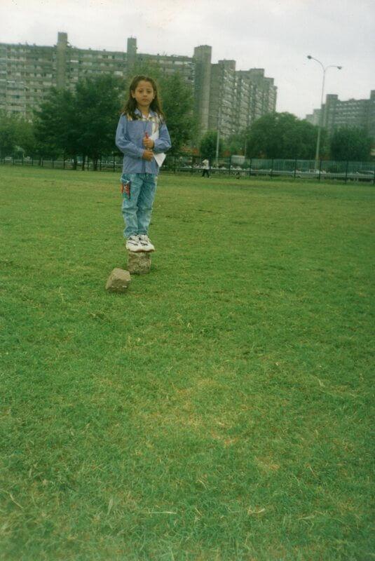 Mi hija, la más chiquita, en el Parque de Las Victorias