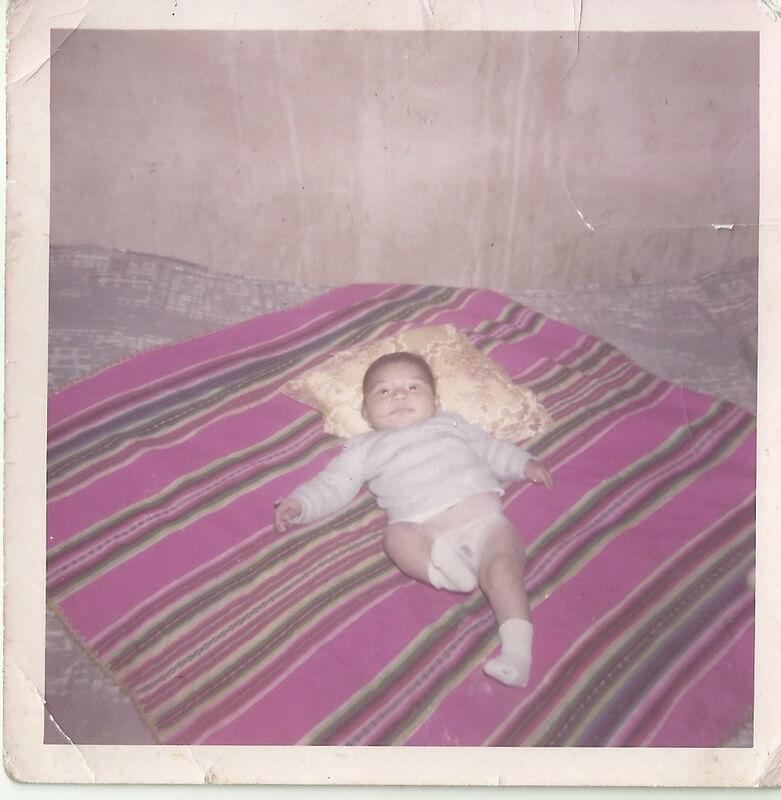 Gustavo de bebé en su guagua