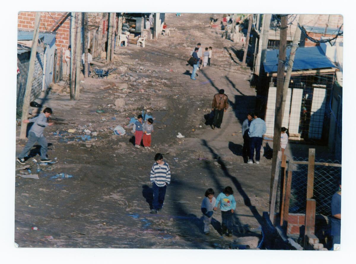 Vista de la calle Albariños, llegando a Barros Pazos