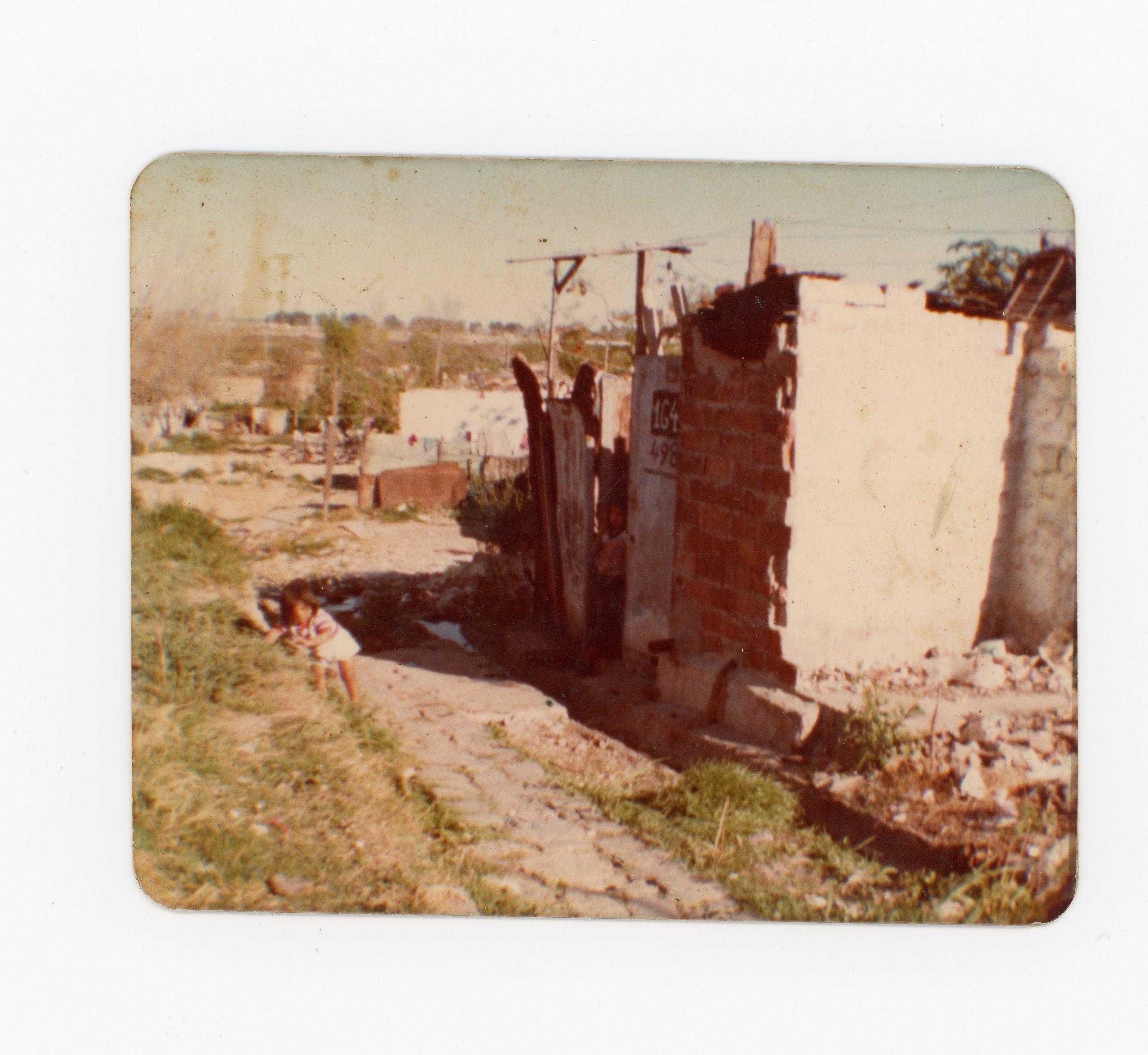 Casa de la familia Sarapura, calle Miralla 1649, manzana 15
